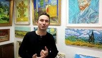 Il expose des chefs-d'œuvre de la peinture dans les écoles