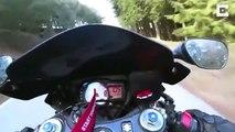 Ce motard prend la gamelle de sa vie dans un virage sur une route de montagne