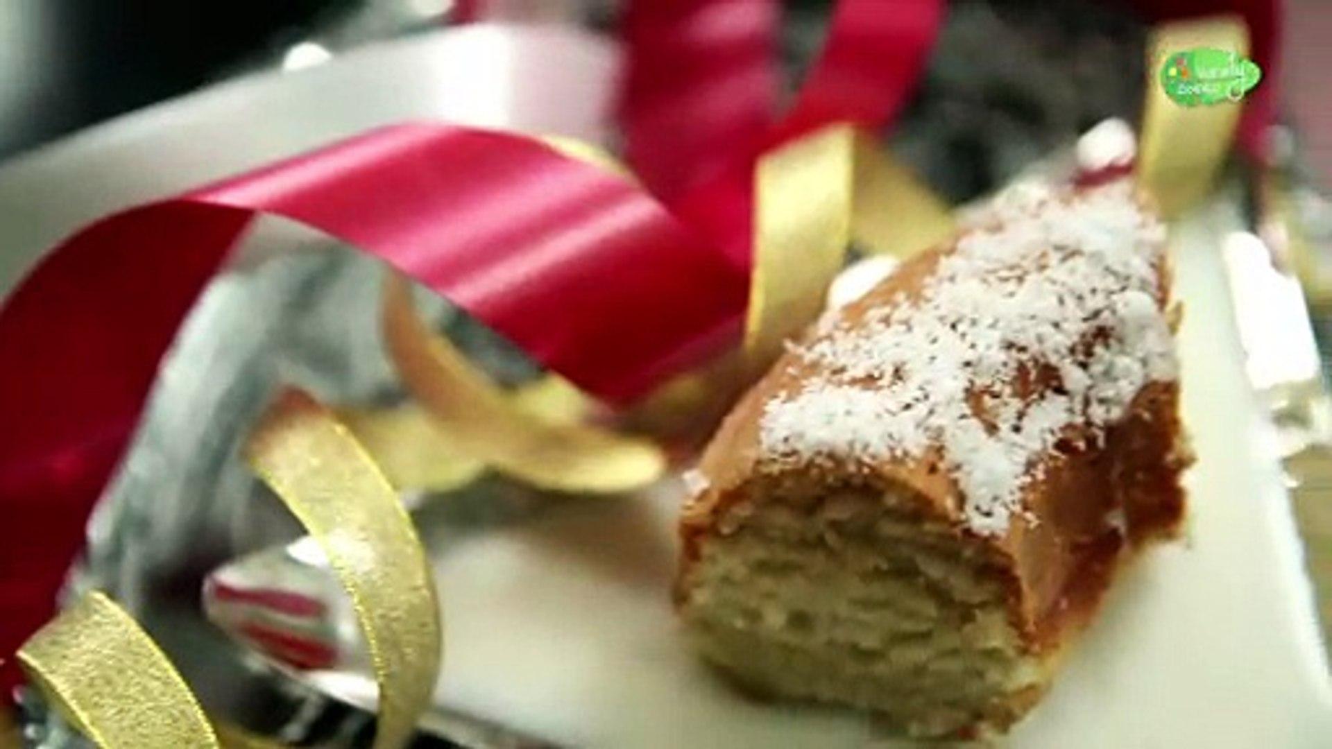 Christmas Special Cake | Coconut Cake | Eggless Recipe | Homemade Coconut Cake