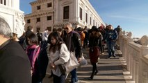 Venice plans to tax day-trippers to curb tourism