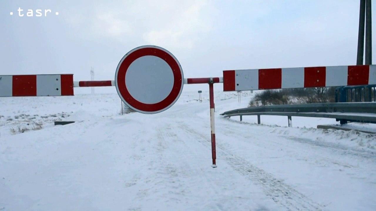Cesta medzi Štrbou a Šuňavou je pre nepriazeň počasia uzavretá