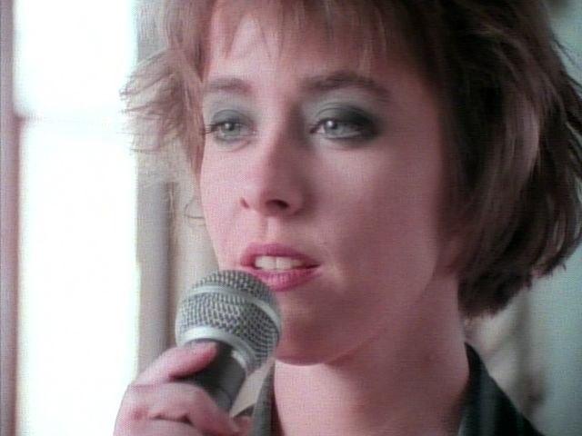 Suzanne Vega - Left Of Center