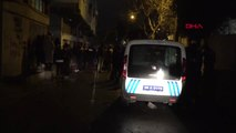İzmir 50 Yaşındaki Kader Erenuluğ, Tabancayla Başından Vurularak Öldürüldü