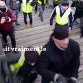 """""""Gilets jaunes"""" : l'un des gendarmes agressés par un boxeur témoigne"""