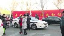 Homem fere 20 crianças com martelo em escola na China