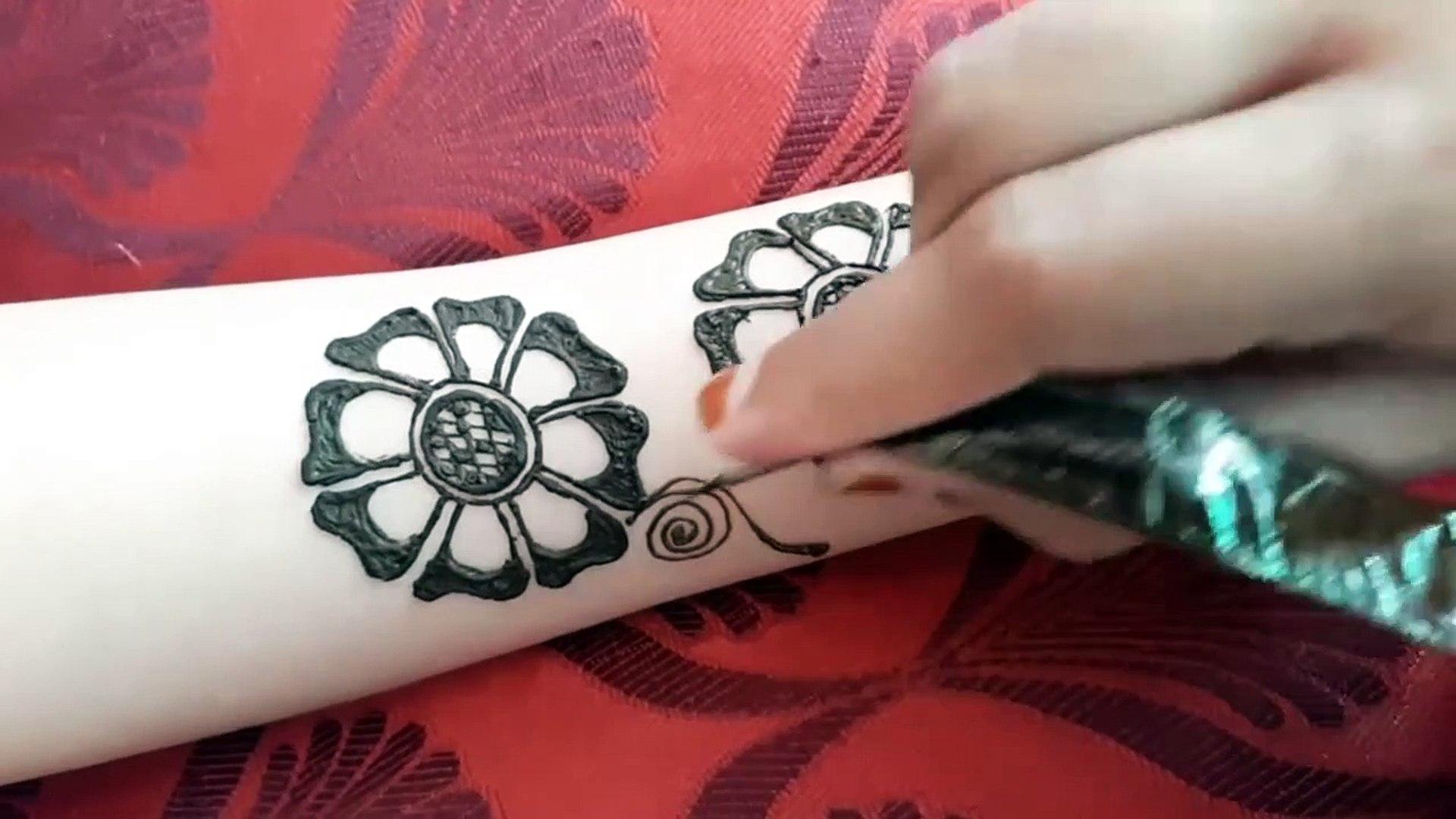 Latest Floral Arabic Mehndi Design For Front Hands Mehndi Designs