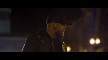 Brantley Gilbert - What Happens In A Small Town