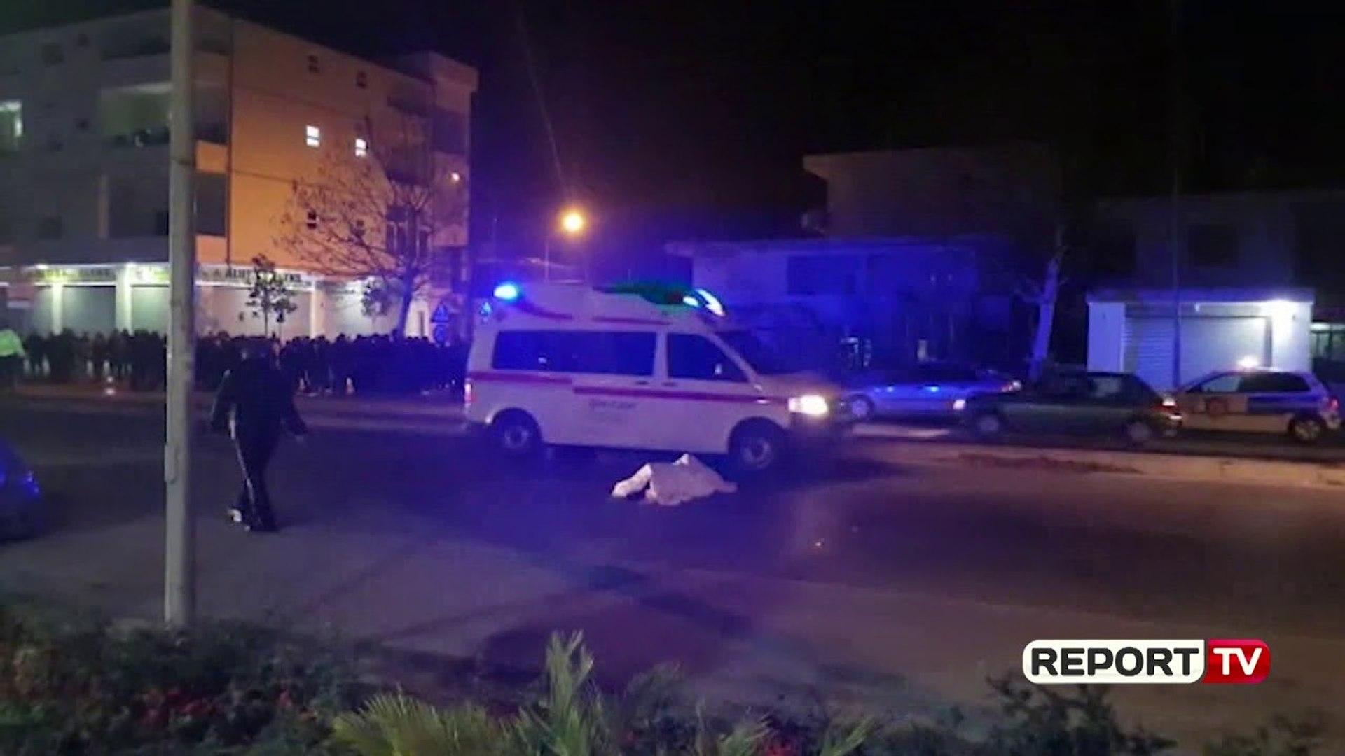 Report TV - Përplasi për vdekje vjehrrë dhe nuse në Durrës, mbetet në burg i riu 22-vjeçar