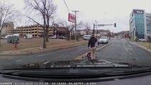 Un automobiliste perd son enfant assis dans le siège auto et ne s'en rend pas compte !