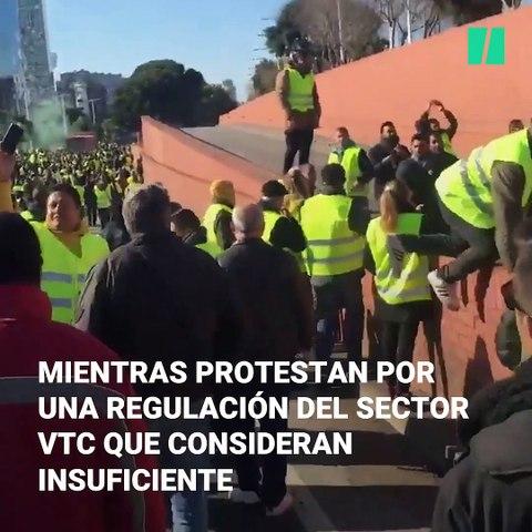 Los taxistas, decepcionados con las reuniones, mantienen la huelga indefinida