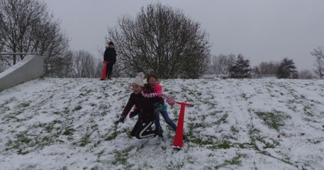 Sneeuwpret in Spijkenisse - rondom Paus Johannes school / 2019