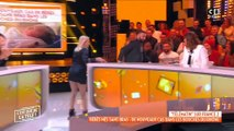 """Cyril Hanouna débarque en rollers en direct dans """"C'est que de la télé"""" et surprend Valérie Benaïm - Regardez"""