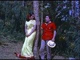 Anbe Vaa - M.G.R teases Saroja Devi