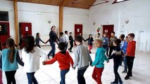 CE2A Début Danse Bretonne 1