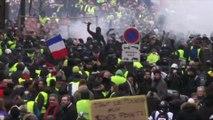 Gilets jaunes: premières tensions place de la BastilleGilets jaunes: premières tensions place de la Bastille à Paris