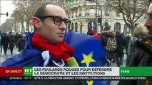 Un manifestant agresse verbalement un journaliste de la chaîne RT en France en plein direct pendant de longues secondes