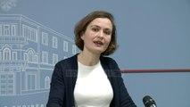 Ministrja e Arsimit, Shahini: Tarifa do të rimbursohet - Top Channel Albania - News - Lajme