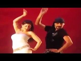 رجالة تمتهن الرقص البلدي