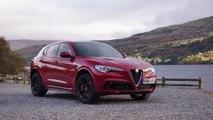 """Alfa Romeo Giulia Quadrifoglio und Alfa Romeo Stelvio Quadrifoglio werden vom britischen Magazin What Car? zum """"Auto des Jahres"""" gewählt"""