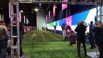 Sans entraînement et sans équipemment, Usain Bolt égale le record NFL du 40 yard en 4.22