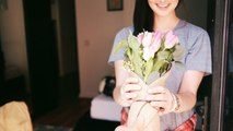 Valentine's Gifts for every Zodiac | वैलेंटाइन पर गर्लफ्रेंड को दें राशि के अनुसार तोहफा | Boldsky