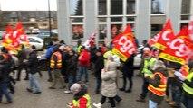 250 personnes à la manif des syndicats et des Gilets jaunes