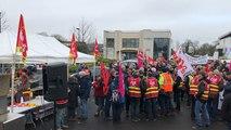 Syndicats : environ 400 manifestants devant le Medef