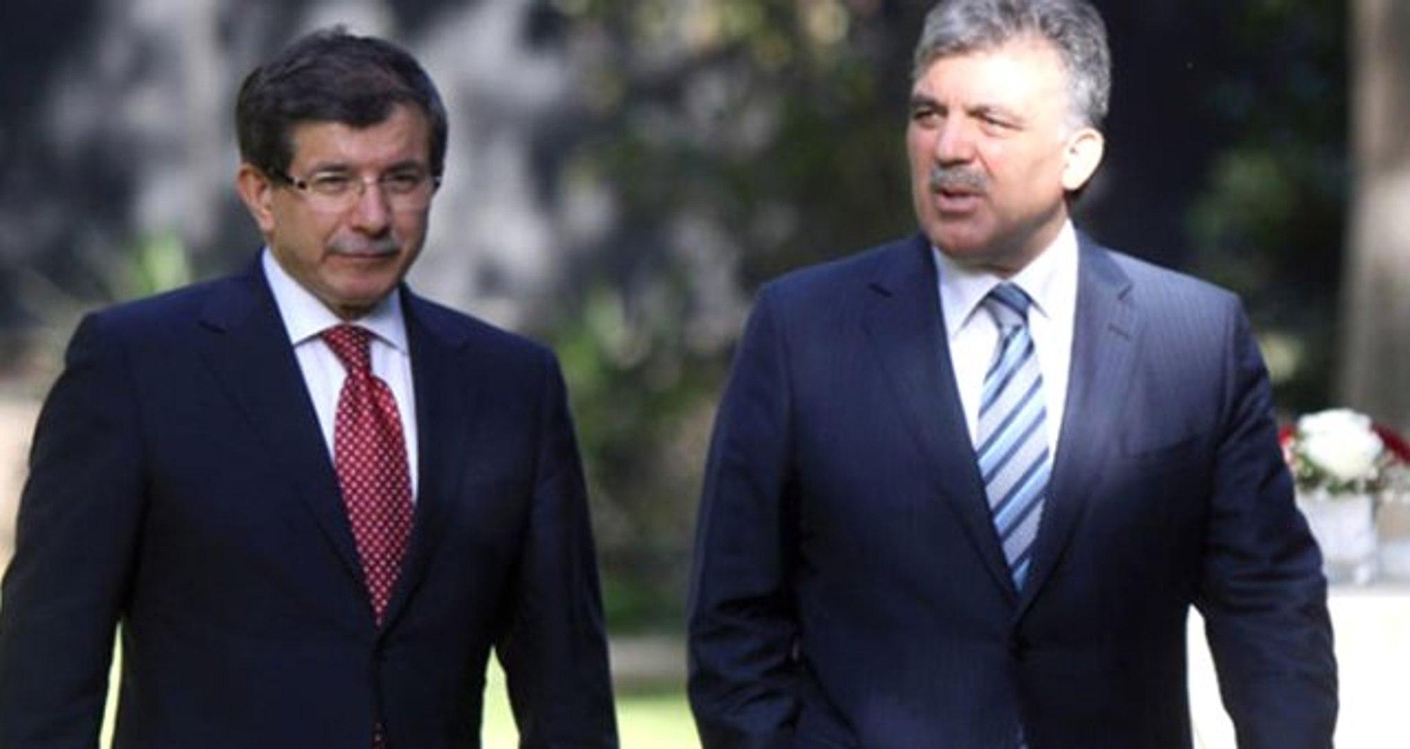 Eski Başbakan Davutoğlu'nun Danışmanı Yeni Parti İddialarına Yanıt Verdi: Olmaması Kaçınılmaz