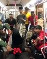 Le W.A.F.F.L.E crew danse dans le métro