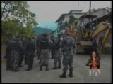Decenas de militares y policías se aprestan a recuperar instalaciones de Ecuacorriente