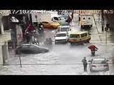 Rescate de personas atrapadas por inundación - Teleamazonas
