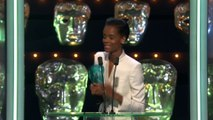 L'émotion de Letitia Wright, lauréate du Rising Star Award - BAFTA 2019