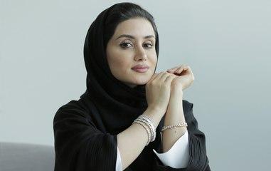 الإماراتية ياسمين المُلا تعرّفك على قصة سوار التينس وكيفية تنسيقه
