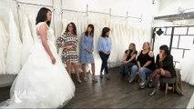 En découvrant sa fille en robe de mariée, cette maman a des mots très durs - Regardez