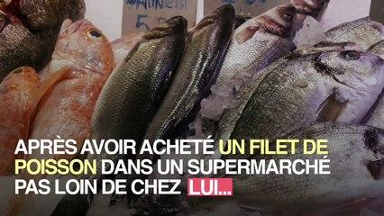 _Il fait une découverte dégoûtante après avoir acheté son poisson au supermaché