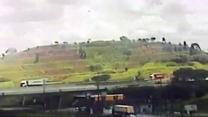 Vídeo mostra momento exato da queda do helicóptero que matou Boechat