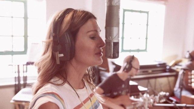Kirsty Bertarelli - Sweet Summer Rain