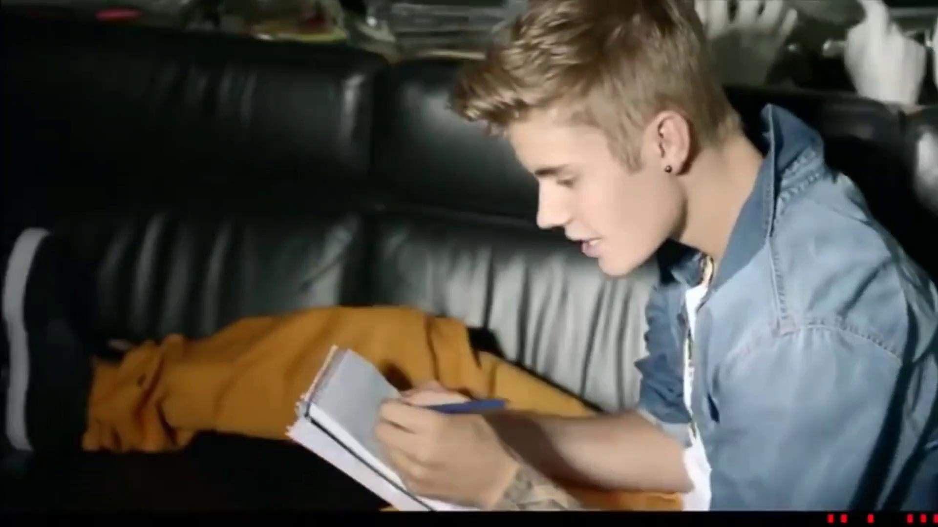 Justin Bieber - Drumer Boy [Official Video MV]