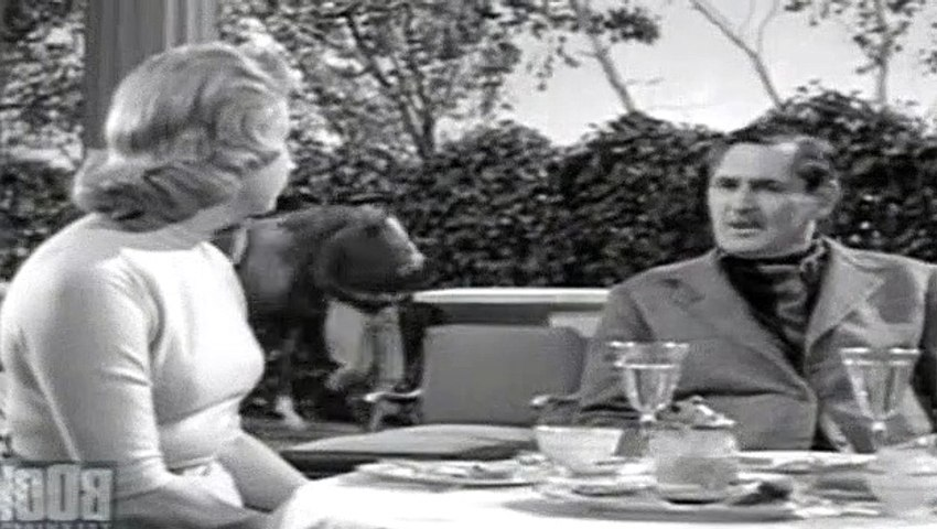 Alfred Hitchcock Presents S06E01 Mrs. Bixby And The Colonel's Coat
