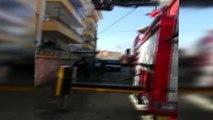 Malatya'da Balkondaki Yangını İtfaiye Söndürdü