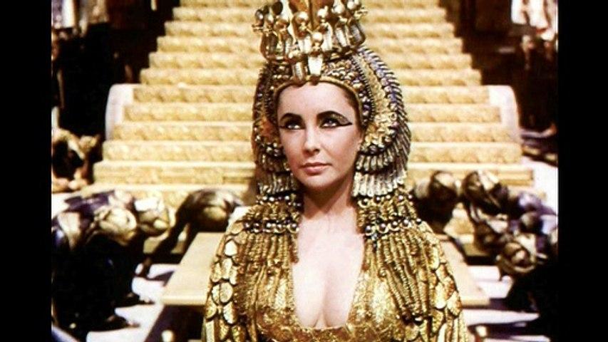Marina Castelnuovo nel ruolo di Cleopatra a Radio Rai Due
