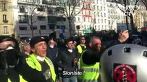 """Alain Finkielkraut insulté à Paris par des """"gilets jaunes"""""""