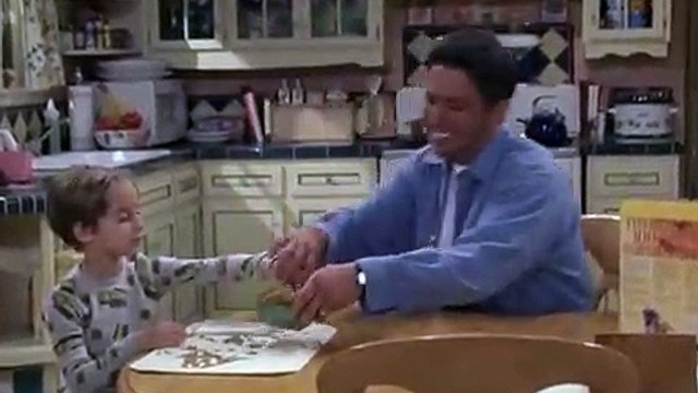 Everybody Loves Raymond  S 8  Bloopers