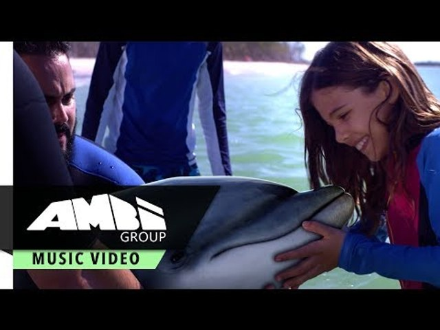 Waves - Nicole Michelle featuring Lola Sultan | From Bernie the Dolphin