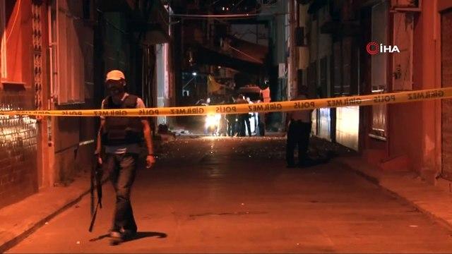 AK Parti ilçe binasına, MHP irtibat bürosuna ve karakola bomba koyup 3 polise silahla saldırmıştı...Bombacı teröriste ceza yağdı