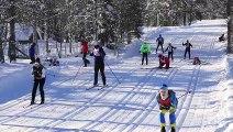 Des centaines de Skieurs tombent dans une course de Ski de fond !