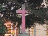La Cruz de los Caídos de Ferrol aparece pintada de rosa