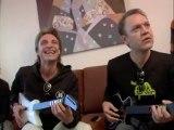 Héroes del Silencio practican con la Guitar Hero