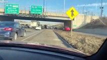 Il se croit dans GTA au volant de sa voiture sur l'autoroute !