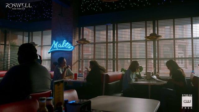 Roswell, New Mexico S01E06 Inside -Smells Like Teen Spirit